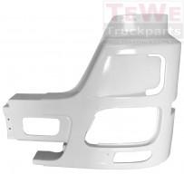 Stoßfängerecke mit Nebelscheinwerferaussparung und Lufteinlass grundiert weiß links / Front bumper corner with fog lamp cutout and air inlet hole primed white LH