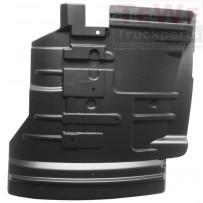 Kotflügel Vorderachse innen vorne links / Mudguard front axle inner front LH